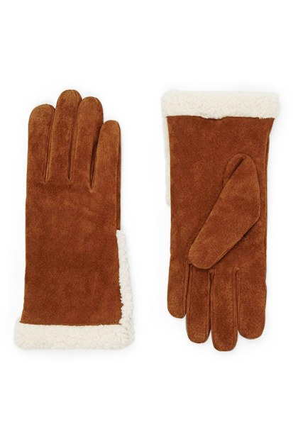 A pair of suede gloves | FOREVER21 - £13