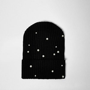 A beanie for a warm head | RIVER ISLAND - £7