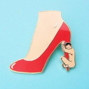 Coucou Suzette (pin's) - £9,95